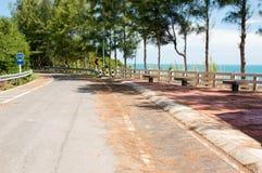 Widoku punkt na halny samotnym seashore Fotografia Royalty Free