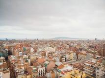 Widoku z lotu ptaka Sants-Montjuic mieszkaniowy okręg od helikopteru Barcelona obrazy stock