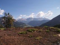 Wieś krajobraz w dolomitach zdjęcie stock