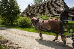 Wieś z starą drogą i drewnianym domem Fotografia Stock