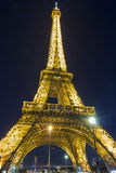 Wieża Eifla przy nocą, Paryż, Francja Zdjęcia Royalty Free
