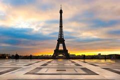 Wieża Eifla przy wschodem słońca, Paryż. zdjęcie royalty free