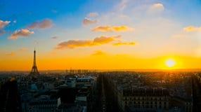 Wieża Eifla przy wschodem słońca, Paryż. obrazy royalty free