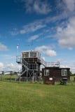 Wieża kontrolna przy lotniskiem Obraz Royalty Free