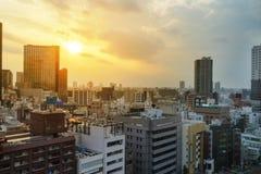 Wieżowowie na popołudniowym czasie w Tokio, Japonia - pejzaż miejski zdjęcie stock