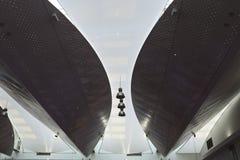 Wieżowowie wśród energooszczędnych lamp i naliczka Zdjęcie Stock