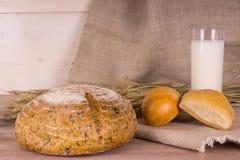 Wieś - chleb z mlekiem Zdjęcie Stock