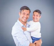 Wie der Vater so der Sohn stockbilder