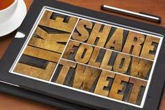 Wie, folgen Anteil, Tweet, Wörtern auf Tablette Stockbilder