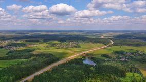 Wieś i autostrada od helikopteru Zdjęcia Stock