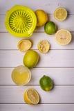 Wie man eine Limonade zubereitet Lizenzfreies Stockfoto