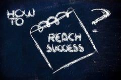 Wie man Erfolg, Mitteilung auf Notiz auf Tafel erreicht Stockbilder