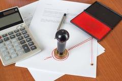 Wie viel kostet der Notariatsservice? Stockfoto