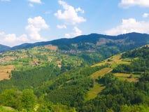 Wieś w wzgórzach Zdjęcie Royalty Free