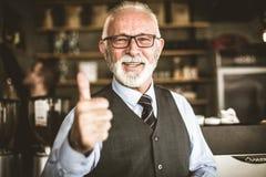Wie, wenn Sie erfolgreiches Geschäft haben Ältere Person stockfotografie
