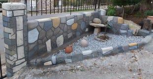 Wie wirkliche Steine Kazarma Messinias stockbilder