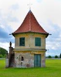 Wieżyczka w ogródzie Obrazy Stock