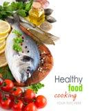 Świeża dorado ryba, owoce morza i Obrazy Royalty Free