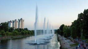 Wieczór fontanny na Rusanovsky kanale Lato zdjęcie wideo