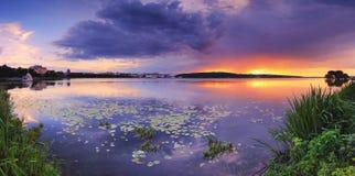 wieczór jezioro zdjęcie royalty free