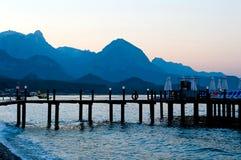 Wieczór linia horyzontu góry Zdjęcie Royalty Free