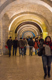 Wieczór na Baku ulicach, chodzi ludzi obraz stock