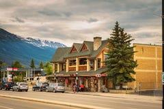 Wieczór na ulicach jaspis w kanadyjskich Skalistych górach Fotografia Royalty Free