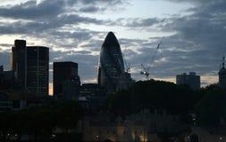 Wieczór nieba Londyńska linia Uwypukla korniszonu budynek Obrazy Royalty Free