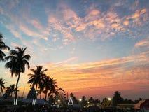 Wieczór, pomarańczowy niebo, festiwal, krajobraz Zdjęcia Royalty Free