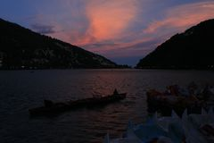 Wieczór przy Nainital fotografia royalty free