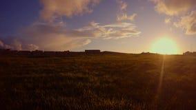 Wieczór słońce myje pole iść ściana antyczny forteca Famagusta zbiory wideo