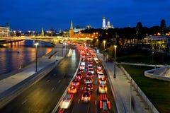 Wieczór stopper ruchu drogowego dżem blisko Kremlin Zdjęcie Stock