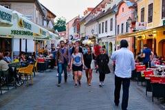 Wieczór tłumy w Zagreb, Chorwacja fotografia stock