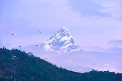 Wieczór widok Ama Dablam na sposobie Everest Podstawowy obóz - Nepal Zdjęcie Stock