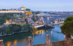Wieczór widok Dom Luis Porto, Portug Przerzucam most i Duoro rzeka Obrazy Stock