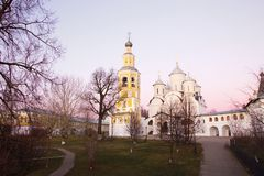 Wieczór widok Spaso-Prilutsky Dimitriev monaster Vologda Srebny pierścionek Rosja fotografia stock