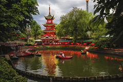 Wieczór widok Tivoli ogródy z Chińską pagodą obrazy stock