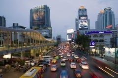 Wieczór zmierzch na Ratchadamri drodze, Bangkok Fotografia Stock