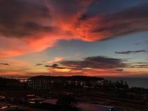 Wieczór zmierzch nad miastem w Kambodża zdjęcia stock