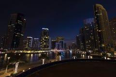 Wiecz?r wysoki teren Dubaj zdjęcie royalty free