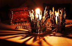 Świeczka na stole Obrazy Royalty Free