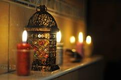 Świeczki na kominie Obrazy Royalty Free