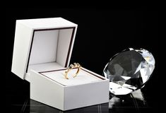 wieczności prezenta pierścionek Obraz Stock