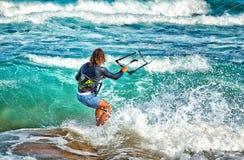 wieczorem jasno latawce surfer słońca zdjęcie stock