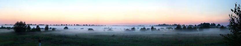 wieczorem mgła. Fotografia Stock