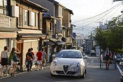 wieczorem samochodów z kioto drogowej Japonii czerwona street Zdjęcia Stock