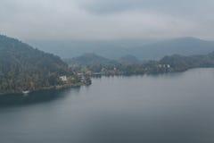 wieczorem się wysp lake gór centralne miłego odbicie Słowenii Obraz Stock