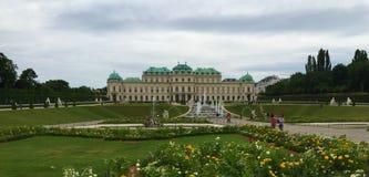 Wiedeń - park przy Schönbrunn pałac zdjęcie stock