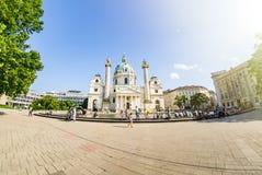 Wiedeń Austria, Czerwiec, - 7 2019: St Charles Kościelny Karlskirche, jest barokowym kościół lokalizować na południowej stronie K zdjęcie royalty free