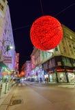 WIEDEŃ AUSTRIA, GRUDZIEŃ, - 28, 2016: Bożenarodzeniowy uliczny ornament o Zdjęcie Royalty Free